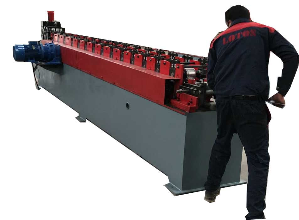 Roll Forming Machine Operator