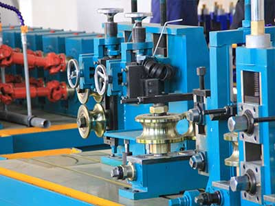 Electric-resistance-welding-tube-mill