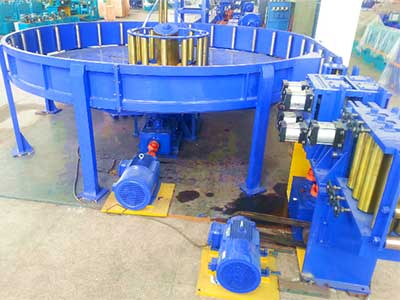 Horizontal accumulator tube mill