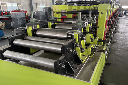 High-thickness-forming-machine