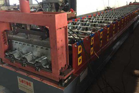 Steel-Deck-Roll-Forming-Machine