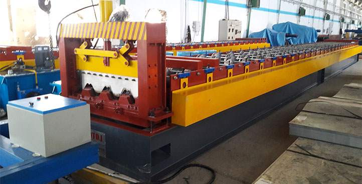 roll form machine for deck floor